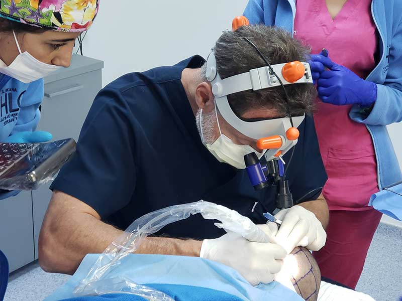 Dr Cole Extracting Grafts Pcid